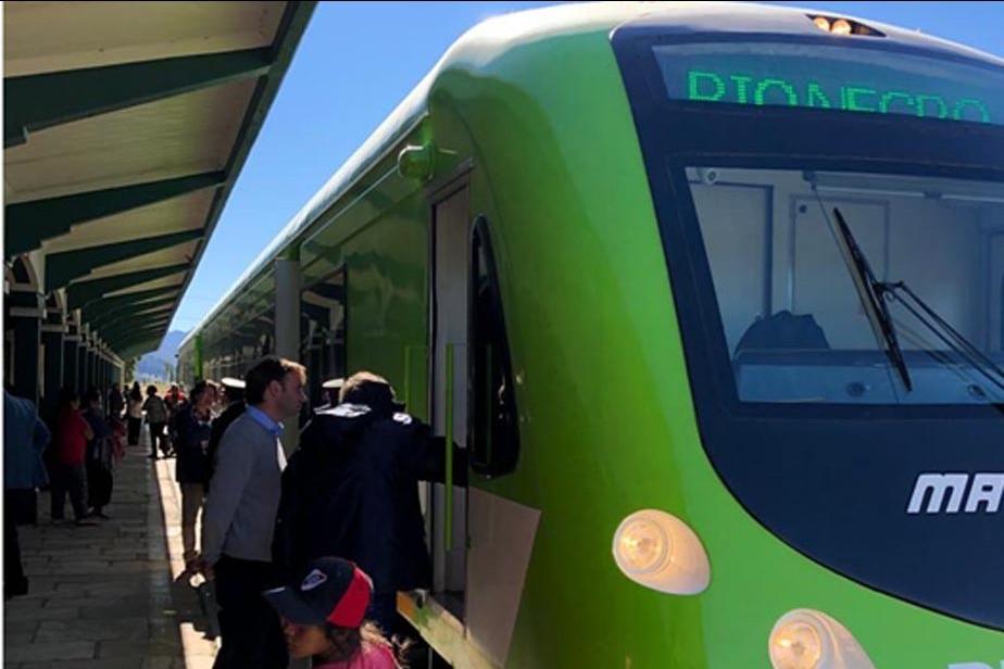 El nuevo coche del Tren Patagónico encendió motores hacia el mar