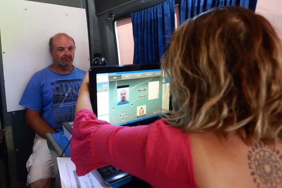 Las Grutas: casi mil trámites y consultas se realizaron en la oficina móvil del Registro Civil