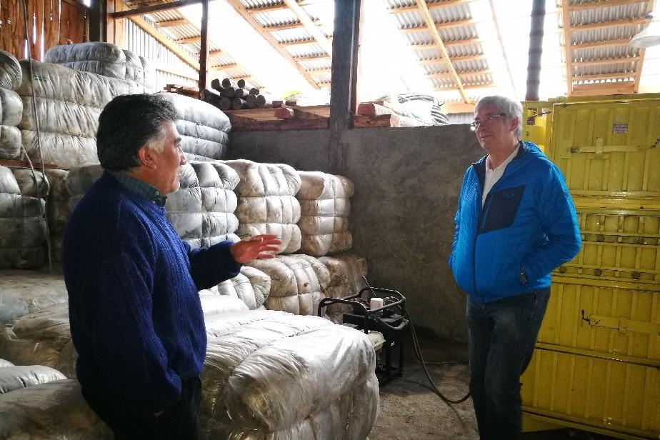 Fortalecen cooperativa de pequeños productores con compra de maquinaria