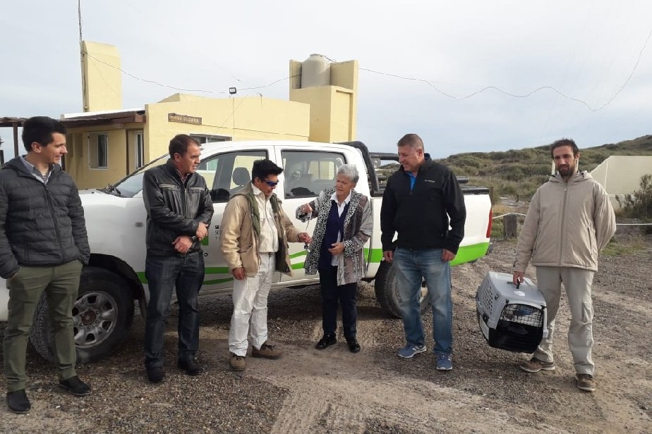Nueva camioneta para mejorar la tarea de los guardas ambientales en Punta Bermeja
