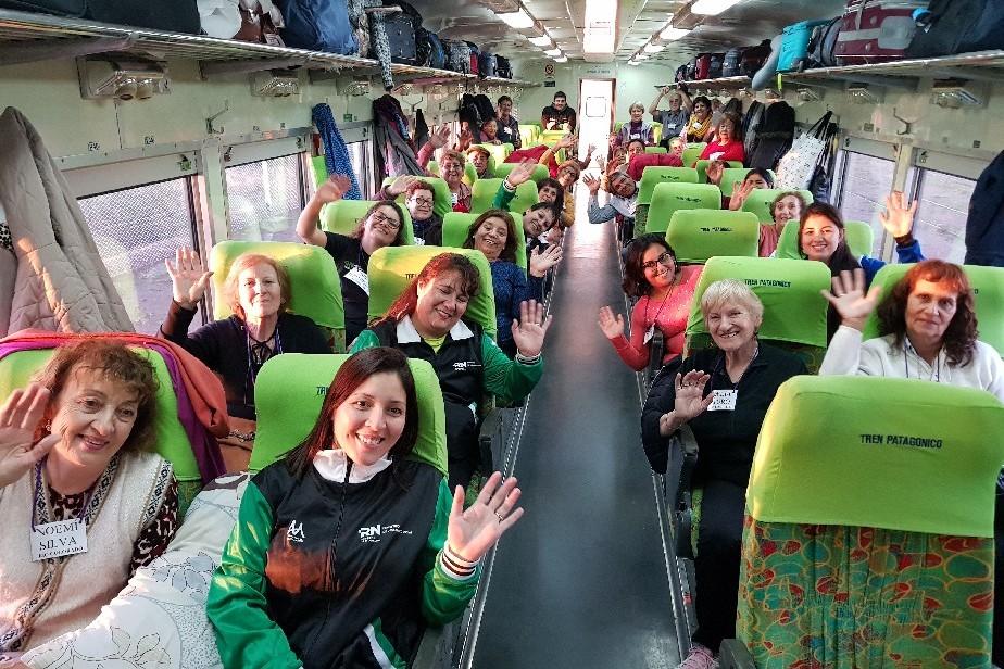 El Tren te Invita: un viaje inolvidable para 1200 adultos mayores