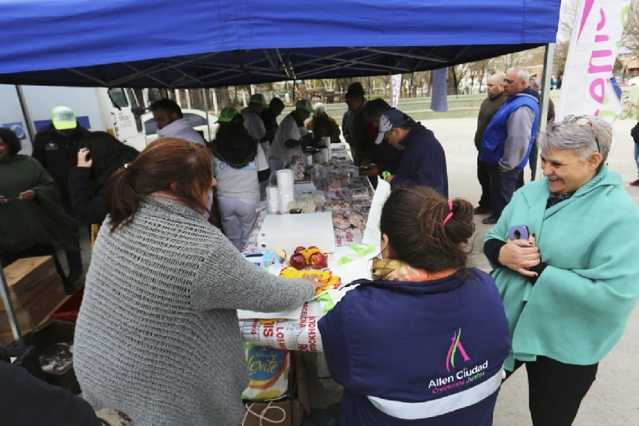 Un nuevo éxito de ventas, el programa El 19 Comé Pescado pasó por Allen