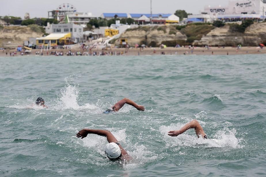 La competencia de aguas abiertas vuelve a lanzarse al mar rionegrino