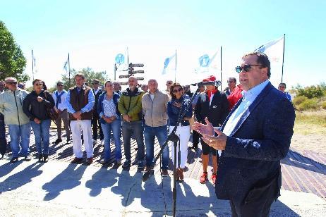 Imagen-Con la presencia del Gobernador, se lanzó oficialmente la temporada estival en El Cóndor
