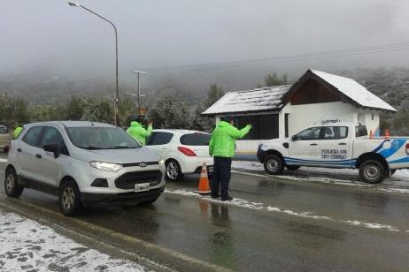 Se dispuso el corte de las Rutas 23 y 40 ante el temporal de nieve